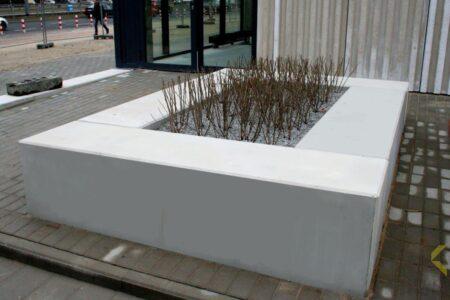 Klinika betonu mala architektura donice i lawki betonowe hala banacha realizacja 5