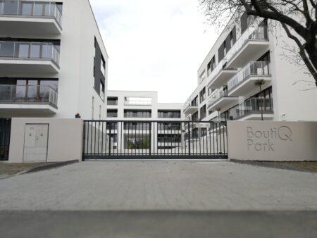 Ogrodzenie butiqpark warszawa realizacja klinika betonu