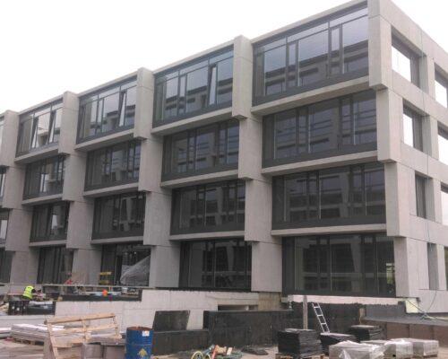 Biurowiec p4 warszawa elewacja betonowa klinika betonu 9 compressed