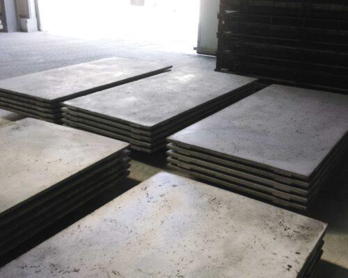 Klinika betonu elewacja betonowa podswietlana instytut audiowizualn 2 compressed