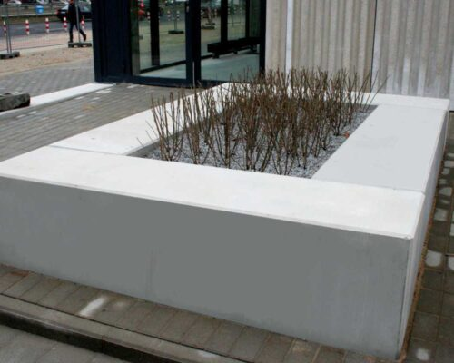 Klinika betonu mala architektura donice i lawki betonowe hala banacha realizacja 5 compressed