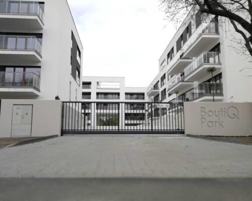 Ogrodzenie boutiq park warszaw realizacja klinika betonu 5 compressed